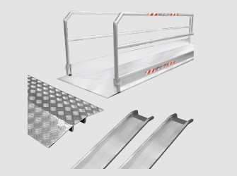 Ramps and gangways for overcoming architectural barriers
